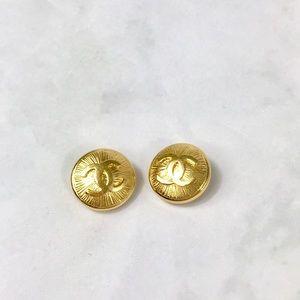 Chanel CC Logo sunburst clip on earrings vtg